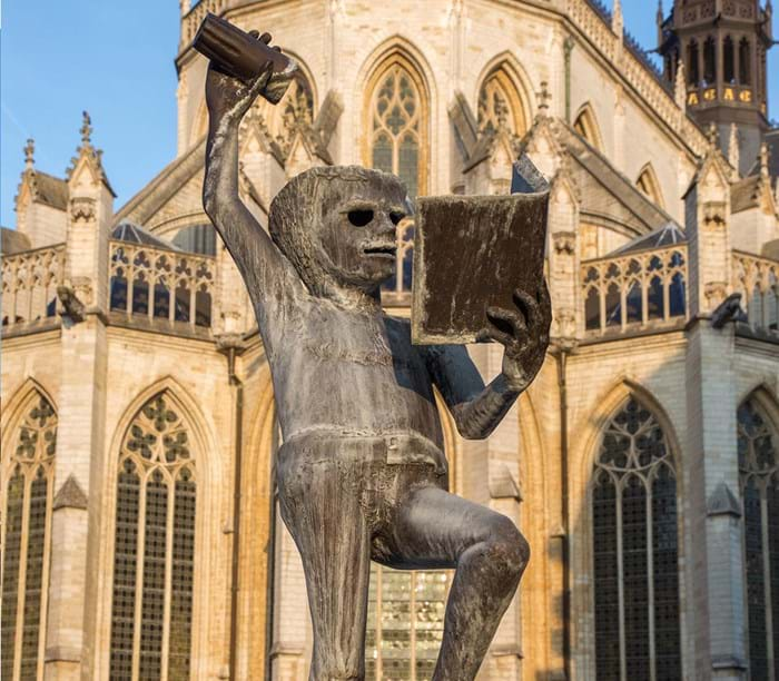 The famous 'Fountain of Wisdom', or 'Fonske', near the centre of town represents the students of Leuven.