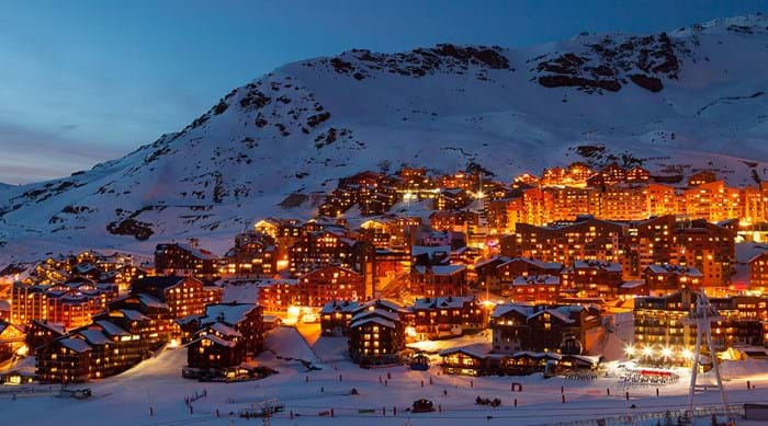 Val Thorens comes to life at night